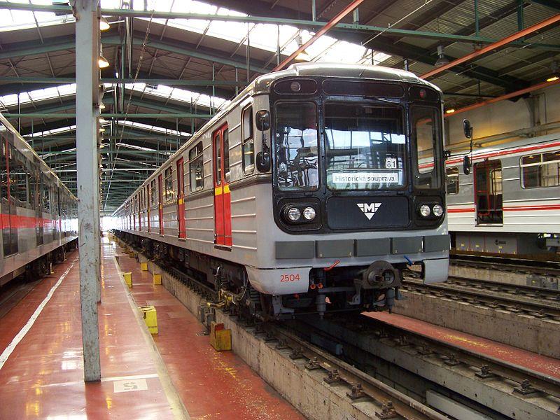 Metro autó export 81-717